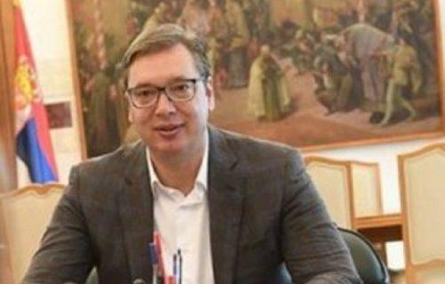 Vučić objavio VAŽNU fotografiju! Mina je došla u PREDSEDNIŠTVO, stala ispred njega i rekla mu je sve