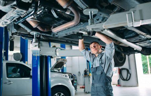 Zamena ulja u menjaču: Čim se pojave OVI problemi vreme je da posetite mehaničara (VIDEO)