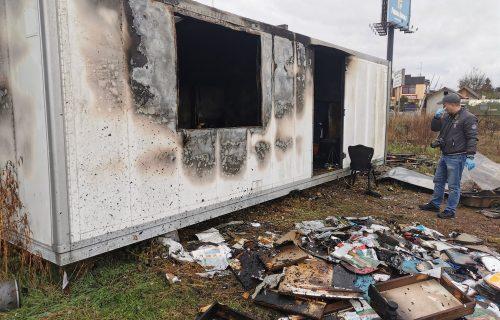 Stravične scene u Preljini: Izbio požar, veliki plamen UNIŠTIO objekat (FOTO)