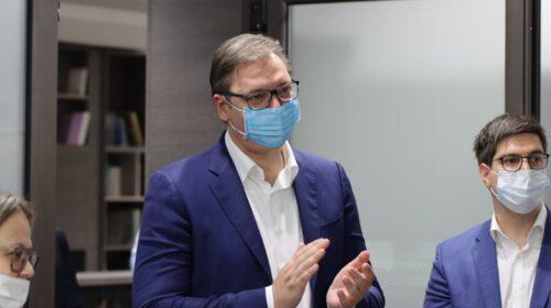 SNS slavi slavu: Stigao Vučić, pogledajte ko je sve došao da čestita naprednjacima (VIDEO+FOTO)