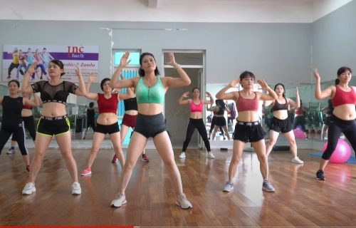 Tajna ravnog stomaka: Vežbe... i samo vežbe, probajte da izdržite 60 minuta dens aerobika (VIDEO)