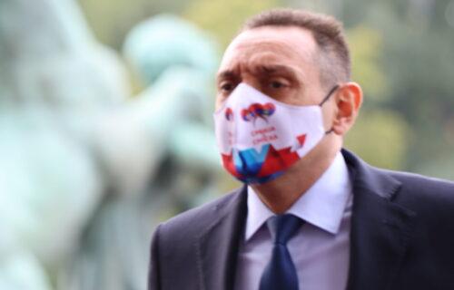 """Ministar Vulin primio TREĆU dozu vakcine protiv koronavirusa: """"Dragi građani, ne čekajte"""""""