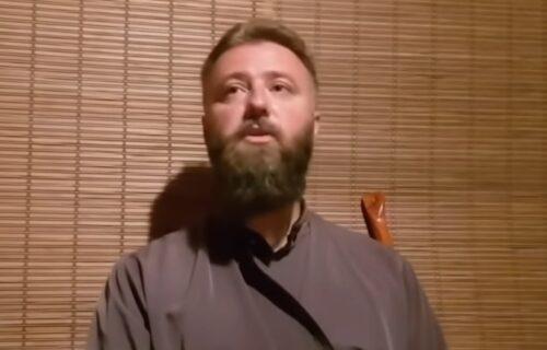 """Otac Predrag prekinuo opelo zbog MAČKE i """"vampira"""": Ljudi stavljaju NOŽEVE ispod kovčega i bodu pokojnike"""