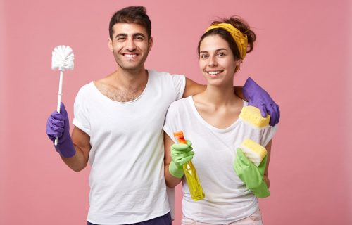 Možda više nećete mrzeti usisavanje! 9 kućnih poslova koji se NAJČEŠĆE završavaju vođenjem ljubavi!