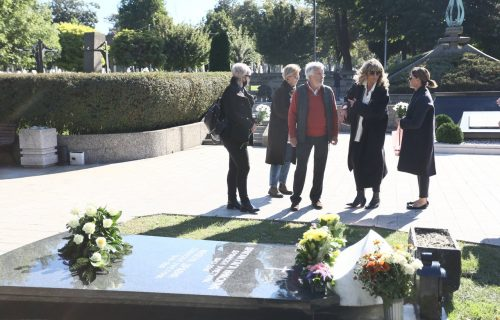 Održan pomen veličanstvenoj Mileni Dravić: Prijatelji je nisu zaboravili (FOTO)