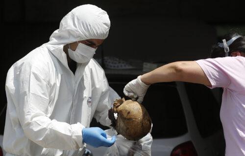 Horor i jeza u Paragvaju: 7 raspadnutih leševa stiglo u kontejneru iz Srbije (UZNEMIRUJUĆI VIDEO+FOTO)