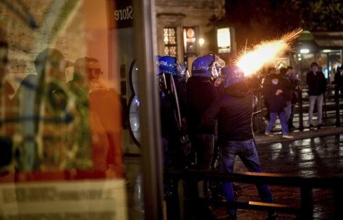 VATRA I HAOS na ulicama Milana i Torina: Italijani palili gradove zbog novih korona mera (VIDEO)