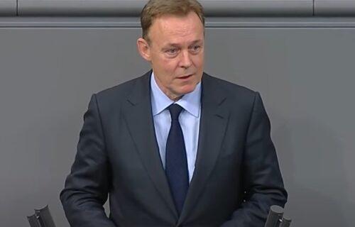 Nemački političar IZNENADA PREMINUO: Kolabirao usred TV emisije (VIDEO)