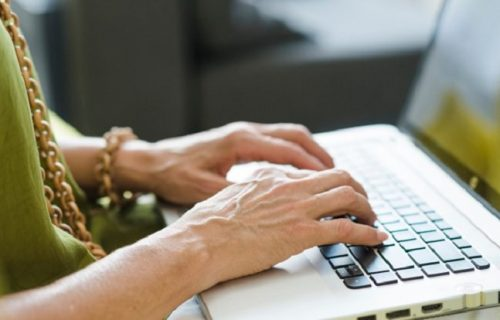 Nova pravila: Država objavila vodič za bezbedan i zdrav rad od kuće