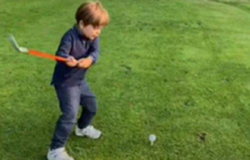 Već sada ima ŠAMPIONSKI zamah: Četvorogodišnjak opsednut golfom pomera granice s lopticom (VIDEO)