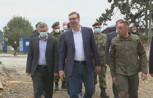 Vučić IZNENADA u Zemunu: Predsednik saopštio VAŽNE INFORMACIJE o borbi protiv korone (VIDEO)