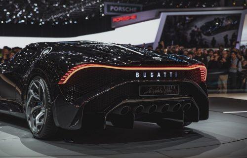"""Bugatti sprema iznenađenje: Neobičan slogan i veliko """"X"""" golicaju maštu (FOTO)"""