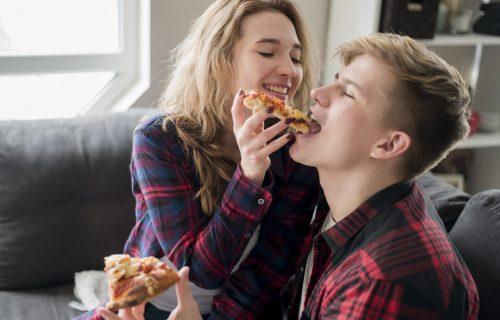Ljubav na prvi ZALOGAJ: 14 odsto ljudi bi RASKINULO vezu zbog drugačije ishrane partnera?!