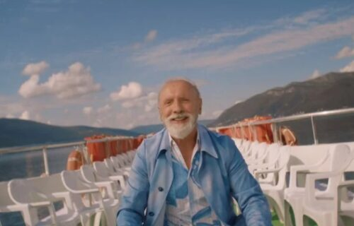 Dino Merlin, umetnik, zvezda ali i običan čovek: Vrlo sam dosadan lik, volim da OKOPAVAM BAŠTU
