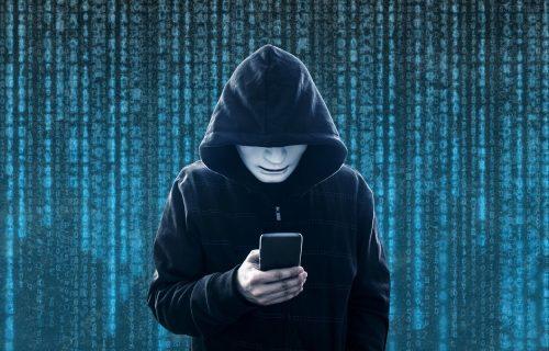 Otkrivamo 8 znakova da neko PRATI vaš mobilni telefon, obratite pažnju!