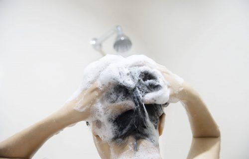 Zbog ovoga vam frizura ne izgleda kao što ste želeli: 8 najvećih grešaka kod pranja kose
