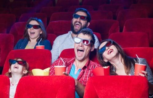 NAPRAVITE sami kućni PROJEKTOR za samo 200 dinara i uživajte u omiljenim filmovima kao da ste u bioskopu