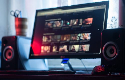 OPREZ! Opasni VIRUS hara sajtovima za odrasle, ne zna se broj zaraženih (VIDEO)
