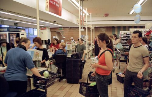 Stručnjaci otkrivaju: 5 trikova kako da odaberete NAJBRŽI red ispred blagajne u supermarketu