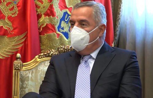 Milo Đukanović OZBILJNO BOLESTAN: Već desetak dana se leči u privatnoj klinici