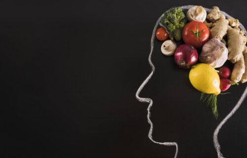 Neurolog otkriva: Evo kakvu HRANU treba da konzumirate kako biste očuvali zdravlje MOZGA