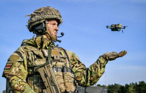 Nove oči Britanije: Dronovi od 190 grama patroliraju bojnim poljem (VIDEO)