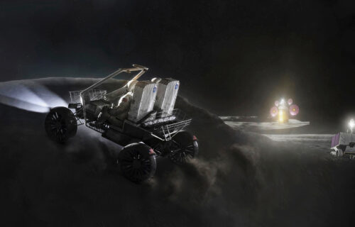 Na površini Meseca otkrivena voda! Ogromne zalihe skrivene u večitoj senci (VIDEO)
