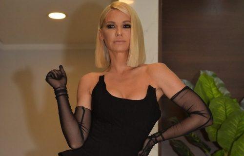 Nataša Bekvalac ODUŠEVILA izgledom: Uska haljina od LATEKSA, kika do struka... (FOTO)