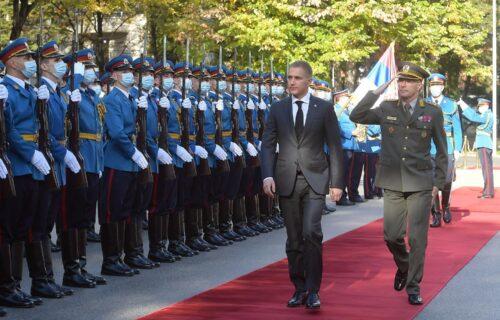 """""""Čast je da vodim ovakav sistem"""": Stefanović posetio Generalštab, pogledajte kako je to izgledalo (VIDEO)"""