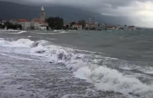 Hrvatska u vrtlogu OLUJE! Gradovima na Jadranu preti potop