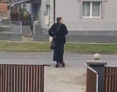 """Sveštenik iz Srbije ZAPALIO internet: Svi bruje o njemu, pogledajte kako ide da """"sveti kuće"""" (VIDEO)"""