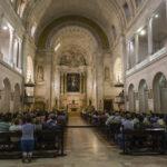 Da li se PRAVOSLAVCI KRSTE kad ulaze u katoličku crkvu ili džamiju? Odgovori duhovnika će vas iznenaditi
