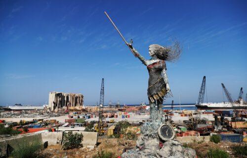 Iz pepela se uzdigla umetnost: Od ostataka eksplozije u Bejrutu vajar napravio neverovatnu skulpturu