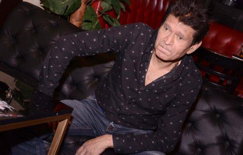 Zvezda folka DECENIJAMA bio zavisnik od ALKOHOLA: Probudim se i ne znam šta je bilo juče...