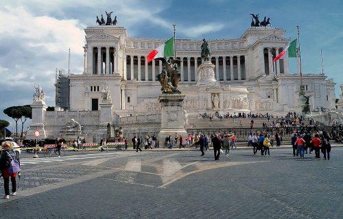 Ovako nije bilo ni u martu: Italija oborila CRNI REKORD, više od 15.000 novozaraženih