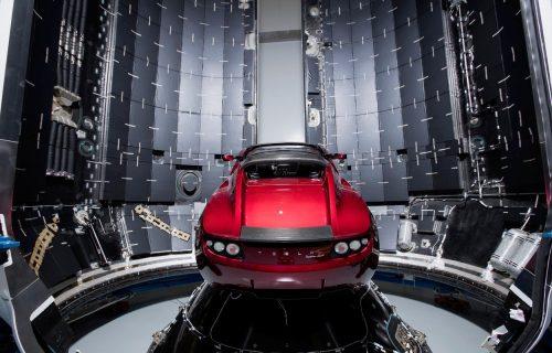 Ovakav sajberpank Roadster još niste videli: Šta će reći Ilon Mask?! (FOTO)