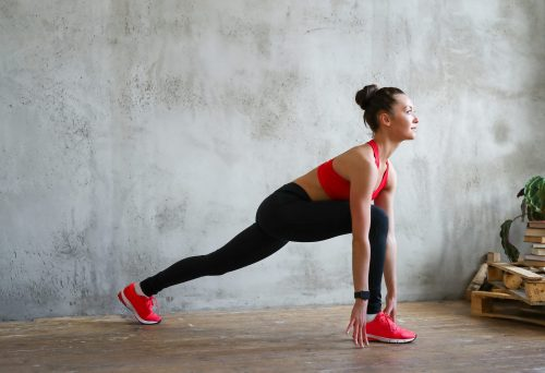 Razbudite se i izgubite VELIKI broj kalorija: 30 minuta KARDIO treninga za celo telo (VIDEO)