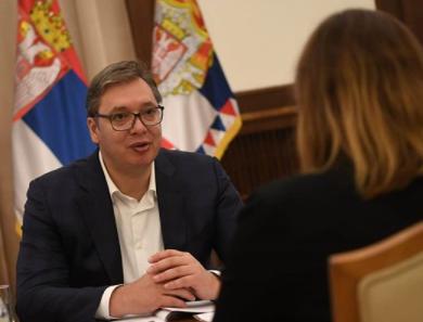 """Vučić na VAŽNOM SASTANKU: """"Srbija lider u Evropi po privrednom rastu"""" (FOTO)"""