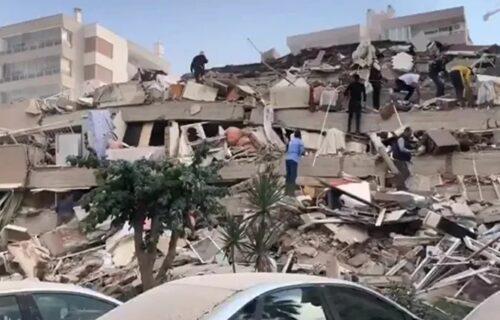 CRNI BILANS razornog zemljotresa: U Turskoj i Grčkoj poginulo najmanje 26 ljudi, povređeno više od 800