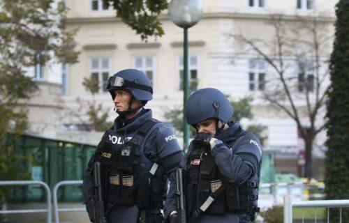 "Beč u strahu nakon napada: Žena vikala ""zakoljite sve Jevreje"" pa izvadila NOŽ na rabina"