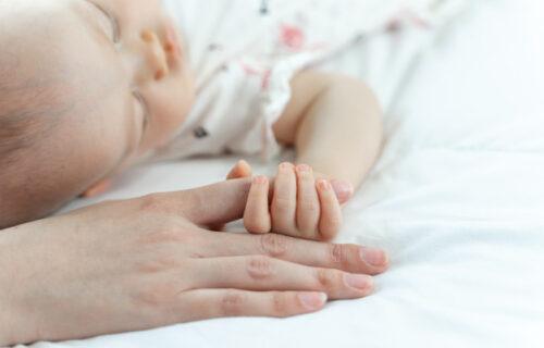 Majka MONSTRUM odredila CENU za sopstvenu bebu, pa je prodavala na internetu!