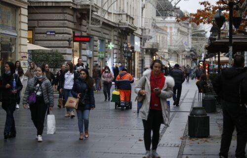 Vlada Srbije usvojila nove EKONOMSKE MERE: Svim građanima po 60 evra, penzionerima 110!
