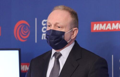 Đilasov portal PLJUJE Srbiju, a hvali ministarku zdravlja CG iako ova zemlja nije počela sa vakcinacijom