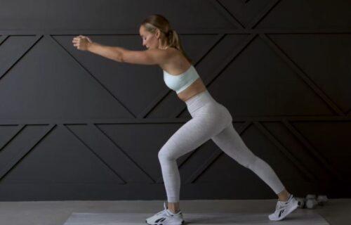 32 minuta intenzivnog treninga: Sve što vam treba su tegovi i MNOGO dobre volje (VIDEO)