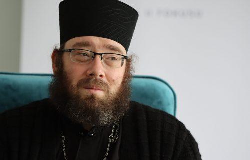 """Humanitarna akcija manastira Tumane: Obezbeđeno 400kg pečenja za oko 900 korisnika doma """"Male Pčelice"""""""