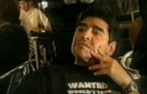 """Zašto smo voleli Dijega? Maradona na splavu usred Beograda pevao """"Marširala kralja Petra garda"""" (VIDEO)"""