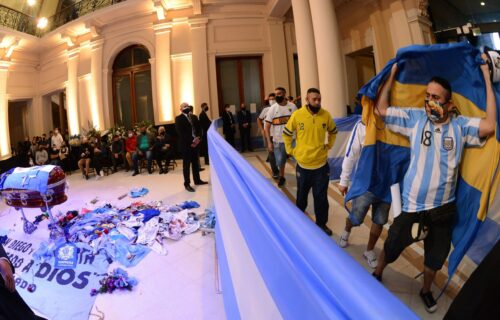 UŽASAVAJUĆE: Evo kakva kazna čeka monstrume koji su počinili gnusan zločin nad Maradoninim telom (FOTO)