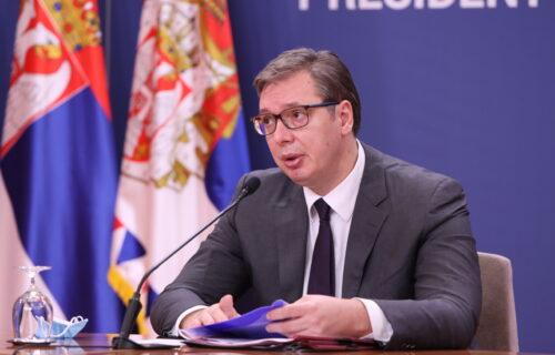 """Jezive PRETNJE UBISTVOM predsedniku Srbije, Aleksandru Vučiću: """"Čeka se trenutak da ti se skine glava"""""""
