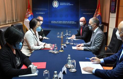 Stefanović dobio važno pismo iz Kine, uručila ga je ambasadorka Čen Bo