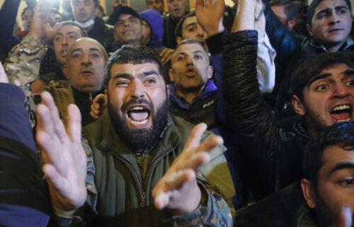 Brutalni PROTESTI u Jermeniji nakon prekida vatre: Premijer Pašinjan najavljuje hapšenja (FOTO+VIDEO)